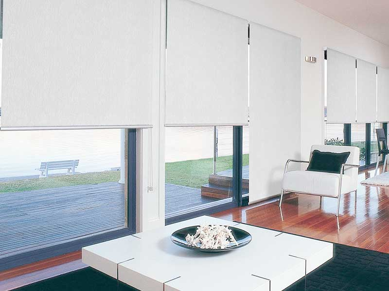 Simple full height blinds